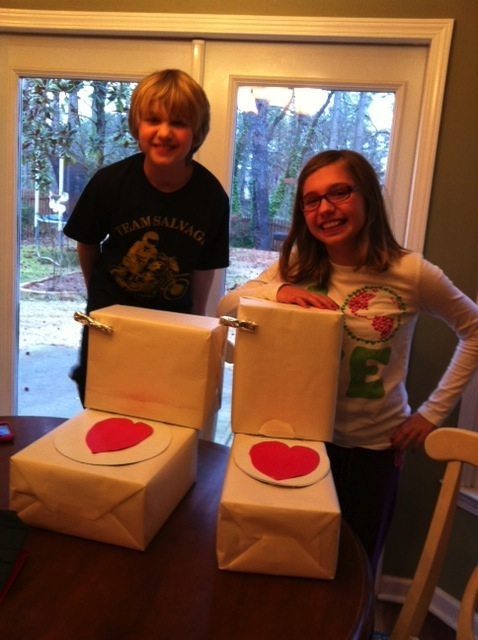 This Is The Way Brittany And Josh Celebrate Valentineu0027s Day U2013 With Toilet  Shaped Valentine Boxes!!